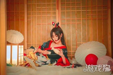 阴阳师角色cos 妖刀姬VS姑获鸟展现妖性美