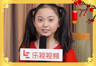 邓鸣璐重现春晚唱段超萌 最想妈妈给买冰激凌吃