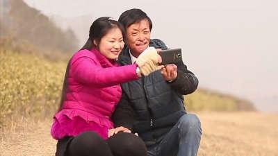 小伙因火灾救人毁容 女友欲捐皮肤为其整容