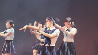 李伟健携美少女战队首发 泳坛健将用声音证明自己
