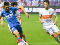 中超-申花0-0鲁能 李帅救险杨旭疑似报复逃红