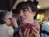 法国半斤草莓3.8欧 穷酸主持借钱买