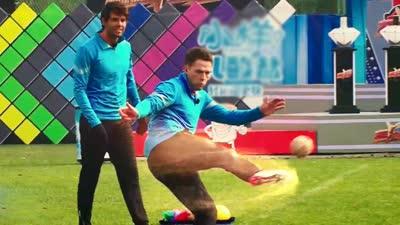 卡欧组合上演蹴鞠神技 曾来中国拍摄蹴鞠电影