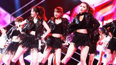 SNH48演绎鸟叔大张伟神曲