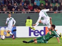 欧联-铁卫暴力头槌救主 维也纳快速1-1萨索洛