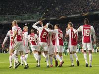 欧联-丹麦悍将神级任意球破门 阿贾克斯2-0锁小组头名
