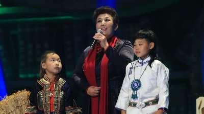 草原孕育小小男子汉 民族音乐代代相传