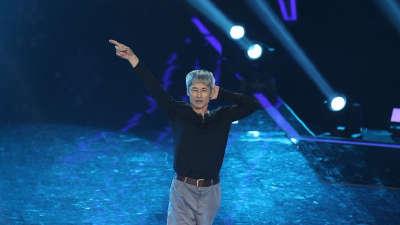 保洁大叔挑战Michael舞蹈 花式漂移展现速度与激情