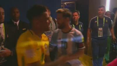 阿媒:巴西没进十球因为梅西和内马尔是朋友【中字】