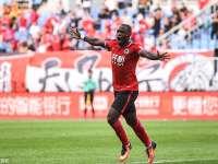中超-乌贾梅开二度尹比加兰世界波 辽宁3-1延边