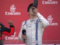 香槟时刻!阿塞拜疆颁奖台 里卡多靴酒祝贺斯托尔
