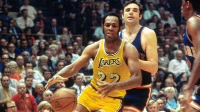 历史上的10月23日:J博士贝勒爷完成NBA生涯首秀