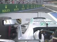不能手滑!F1新加坡站FP3:汉密尔顿出发前忙吹手