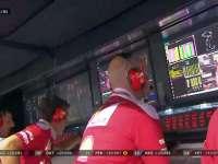 F1新加坡站正赛:Kimi被要求追汉密尔顿吓得锁死
