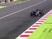 维尔莱茵一号弯失误 冲出赛道险撞上围墙
