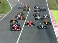 歪头完美起步超汉密尔顿 Kimi与小维碰撞遗憾退赛