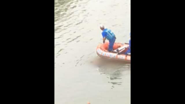 【救援持续中】 近400人全力搜救 一失踪学生遗体浮上水面(三)