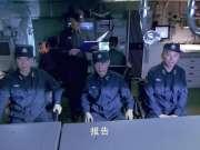 舰在亚丁湾,中国海军打海盗,轻重机枪一起开火,场面太帅了