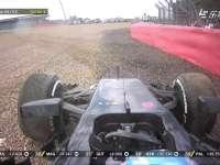 旋转跳跃!F1英国站正赛:阿隆索冲入砂石区