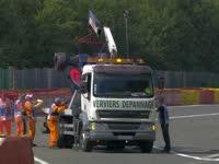 心疼头哥!F1比利时站排位赛:阿隆索赛车被拖走