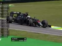 F1巴西站FP1:阿隆索赛车大锁死轮胎痛苦嚎叫