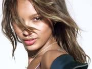 "Victoria's Secret 维秘天使用唇示爱 ""2U"" by David Guetta & Justin Bieber"