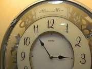 精工客厅挂钟客厅钟表的美妙音乐