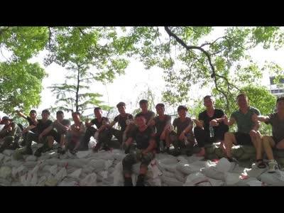 红视频:抗击洪峰 我们在一起