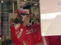 F1英国站FP1 歪头又顶头盔