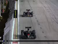 F1新加坡站正赛:塞恩斯进站换胎扯碎片才花3秒