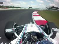 惊险!F1马来西亚站FP2:博塔斯高速弯中打滑