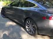歪果仁介绍特斯拉新品 Tesla Model S P100D