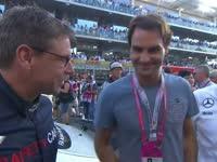 F1阿布扎比站正赛赛前 天王费德勒来到了赛场