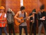 一人分饰5个角色,无论是创意还是音乐都很棒了!