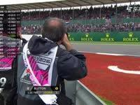 敬业!F1英国站排位赛Q1:场边的摄影师