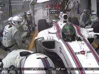 F1巴西站正赛:众多车手回站换上半雨胎