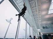 跑酷大咖Jason Paul赶飞机新姿势 没有能让他误点的飞机
