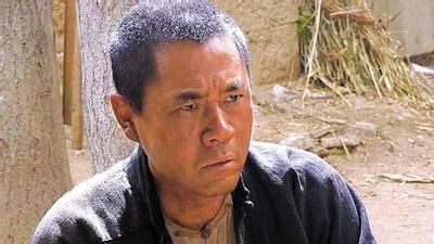 """陈宝国讲述""""老农民""""趣事 麦香村里欢乐多"""