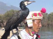 """《谁与争锋》20131202:钓王PK训鹰人捕鱼第一人 中超射手PK""""钢铁侠"""""""