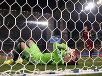 脱手比赛阿金拿冠军 低级失误送韩国1-0领先