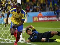 瓦伦西亚破门梅开二度 厄瓜多尔2-1反超比分