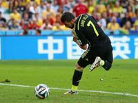 比利亚花哨脚后跟破门 西班牙1-0取得领先