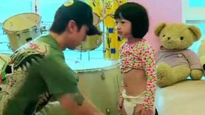 吴尊曝追女十大条件 韩国小正太兄弟相争猛追奥莉