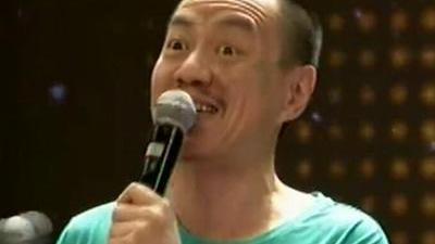 雪村爆笑演唱东北人 和老婆比赛卖烤串
