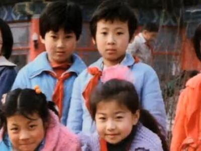 冯坤加提蓬童年照曝光 排球红娘成就二人跨国恋
