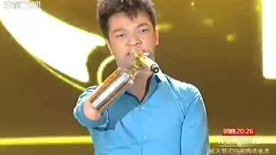 歌迷整容7次只为杨坤