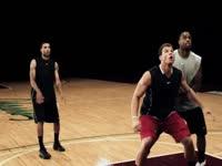 篮板球防守教学,抢篮板的技巧![篮球防守]