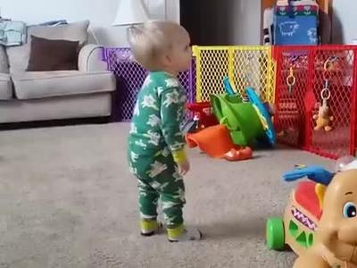 国外萌宝宝们的搞笑跳舞视频集锦