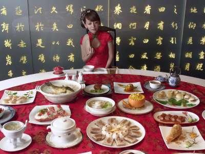 4k 北京烤鸭与美女完整版chimei inn
