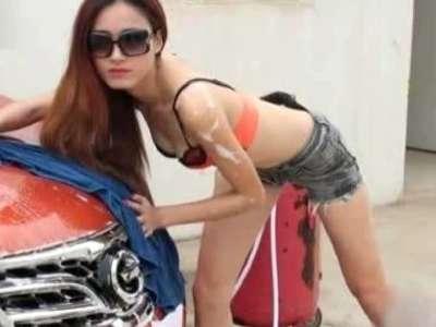 4s店内衣美女洗车 超级性感